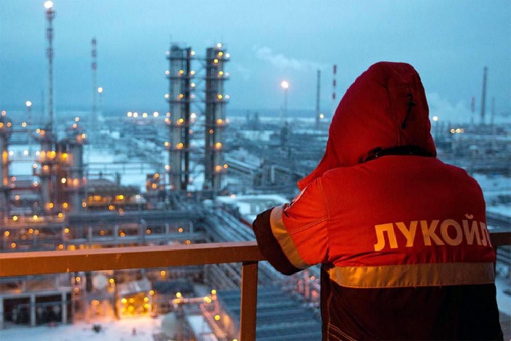 النفط الروسي عند ادنى مستوى في 11 شهرا