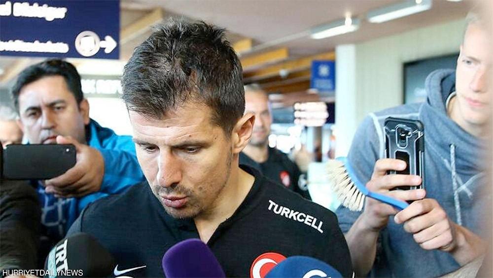 """رد آيسلندي حاسم على """"إهانة"""" المنتخب التركي في المطار"""