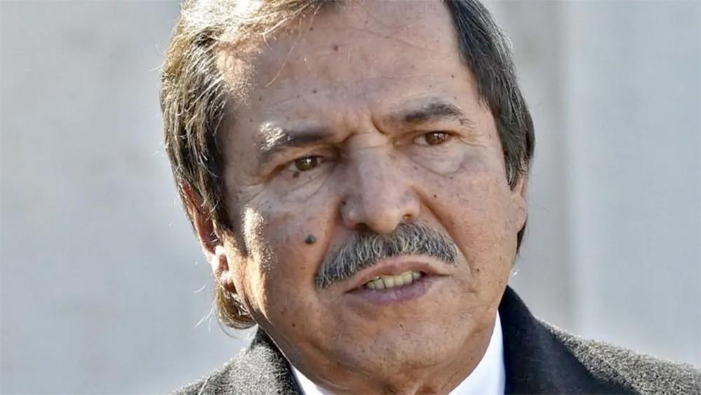 """الجزائر..استقالة دون ضجيج للشقيق """"الشبيه"""" ببوتفليقة"""