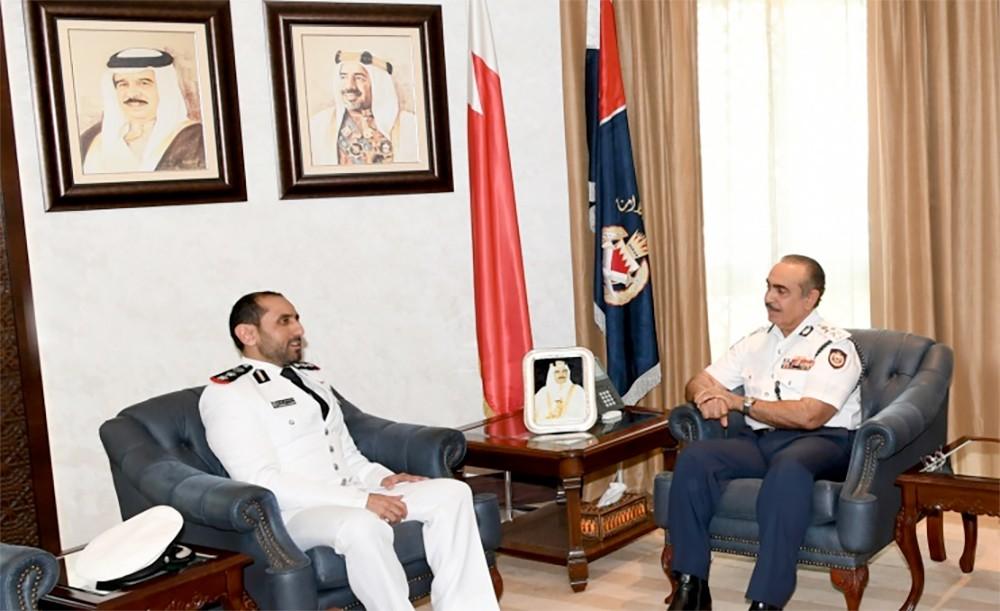 وزير الداخلية يشيد بدور قوة الواجب المشتركة في تعزيز الأمن والسلامة البحرية