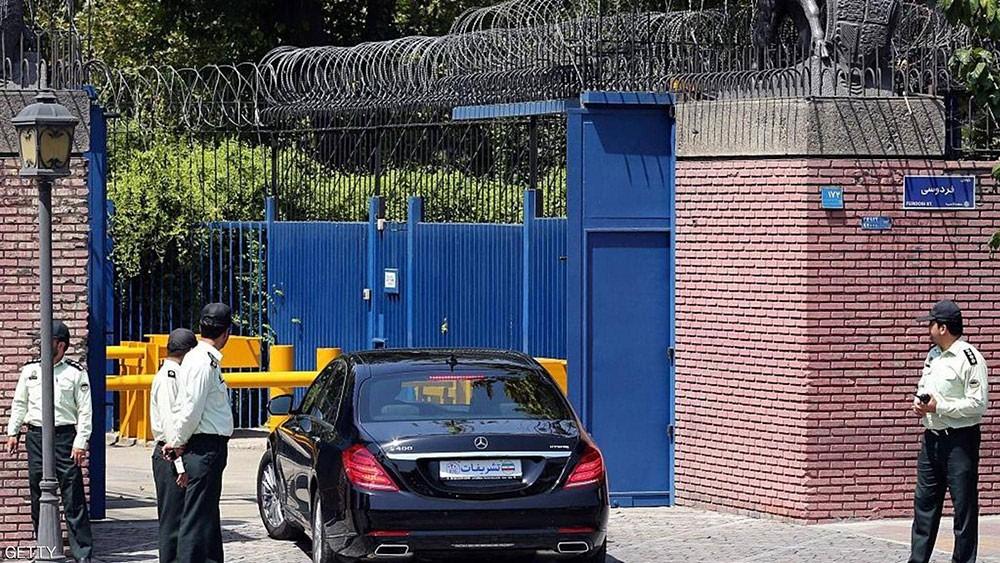 إيران تستدعي سفير بريطانيا بعد اتهامها طهران بهجوم الناقلتين