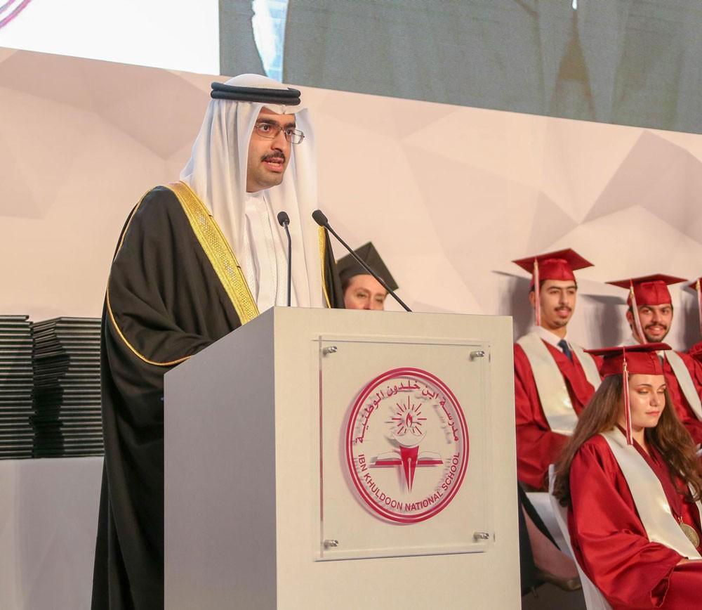 سمو رئيس الوزراء ينيب سمو الشيخ خليفة بن علي آل خليفة لحضور حفل مدرسة ابن خلدون