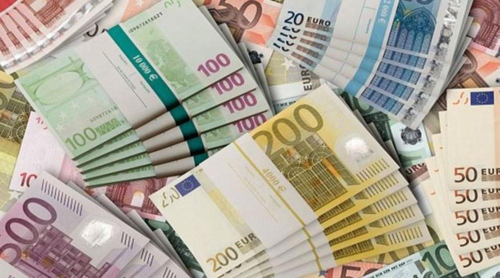 الدولار يبلغ أعلى مستوى له في أسبوعين مع ترقب المستثمرين لاجتماع الفدرالي الأميركي