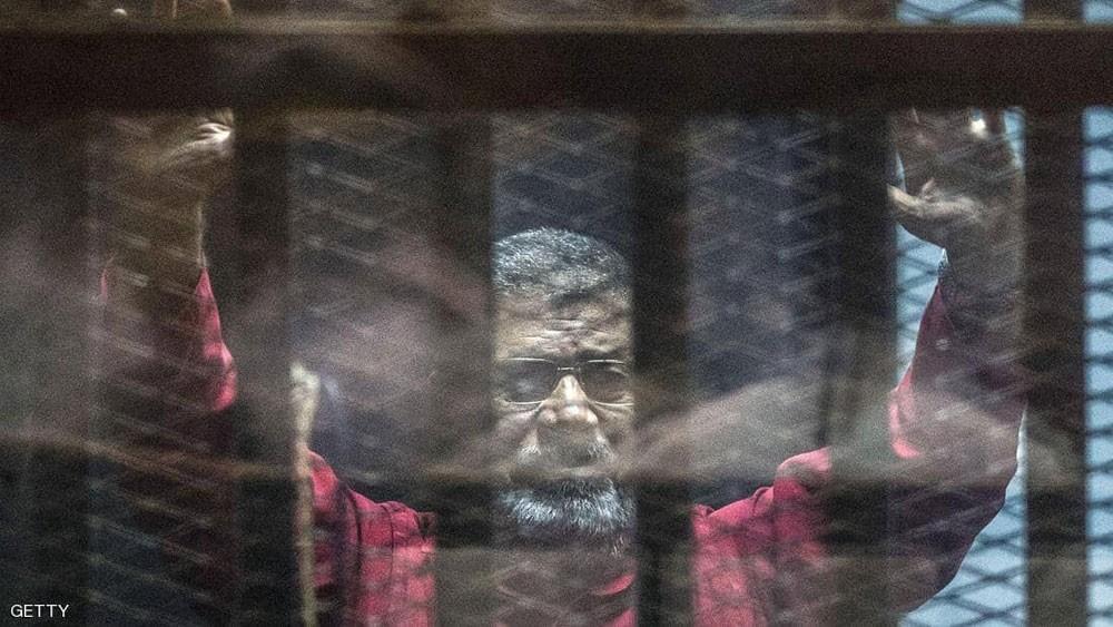 مصر.. النيابة العامة تصدر تصريحا بدفن جثة محمد مرسي
