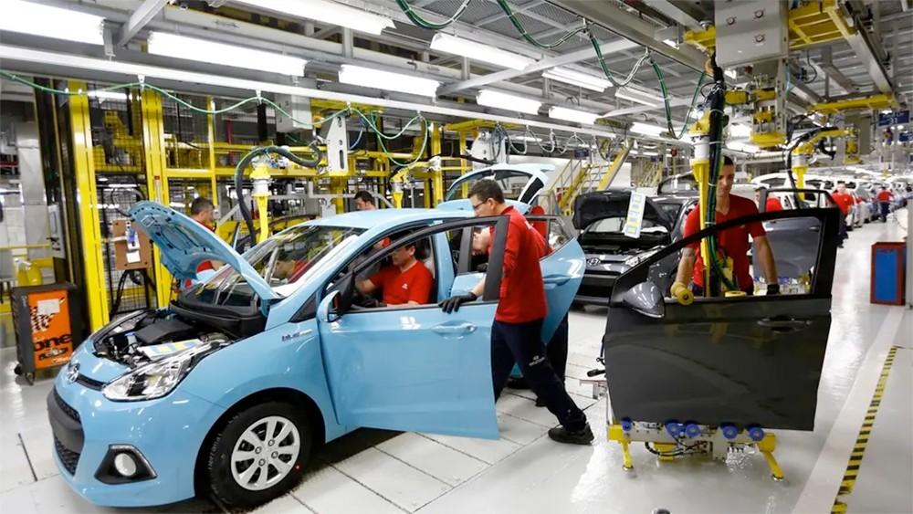 الناتج الصناعي التركي يتراجع 4% في أبريل