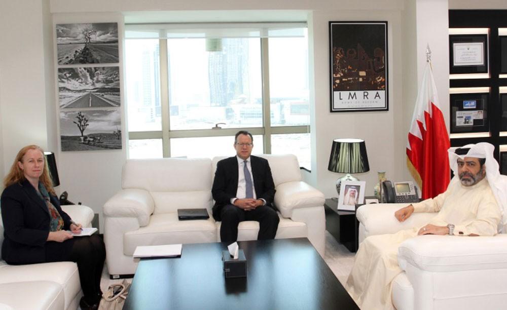السفير الأمريكي: مبادرات البحرين في مجال مكافحة الاتجار بالأشخاص تستحق التعميم