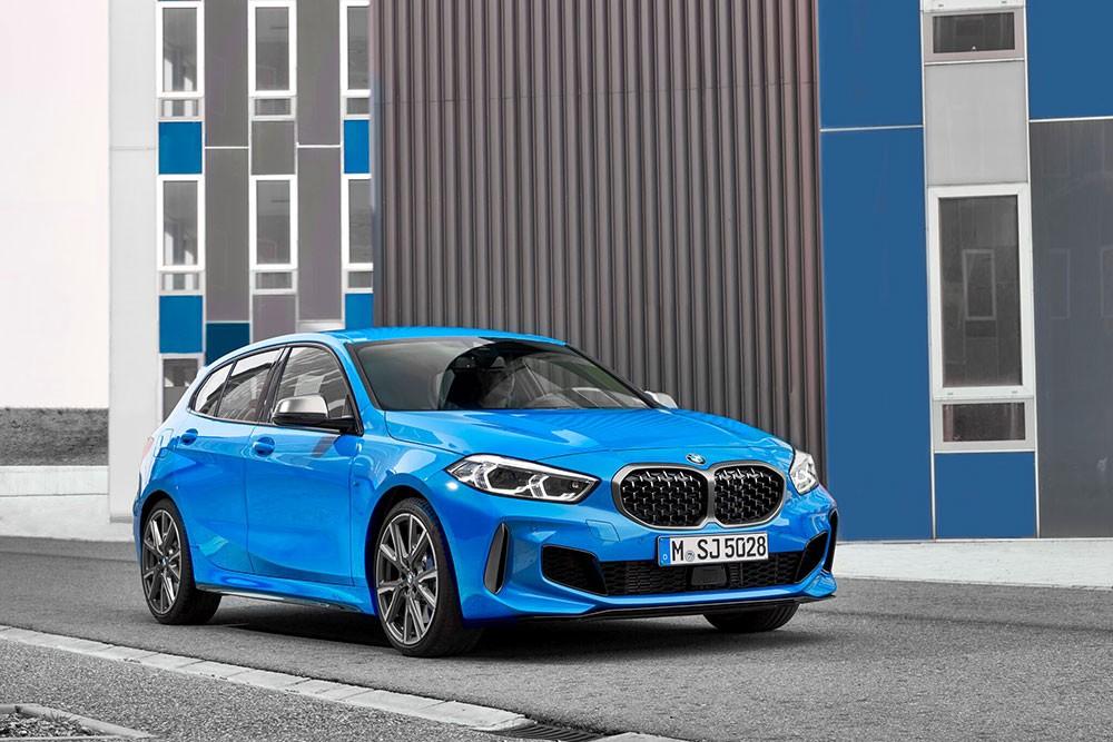 BMW الفئة الأولى الجديدة كلياً
