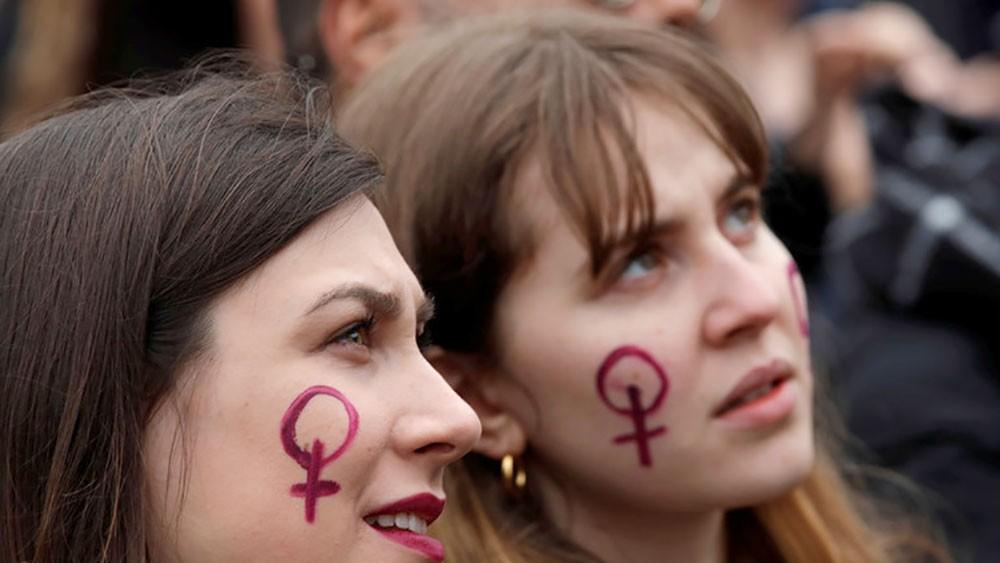 هيئة صحية أمريكية تعتمد عقارا يعالج فقدان الرغبة الجنسية لدى النساء
