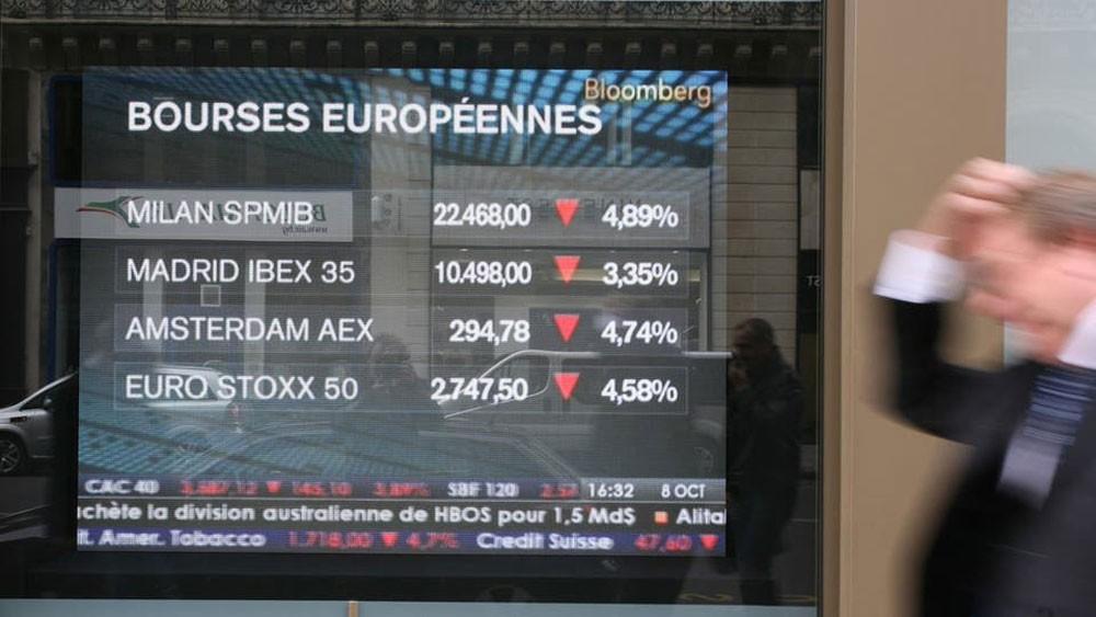 """تحذير بشأن أرباح """"دايملر"""" يضغط على أسهم أوروبا"""