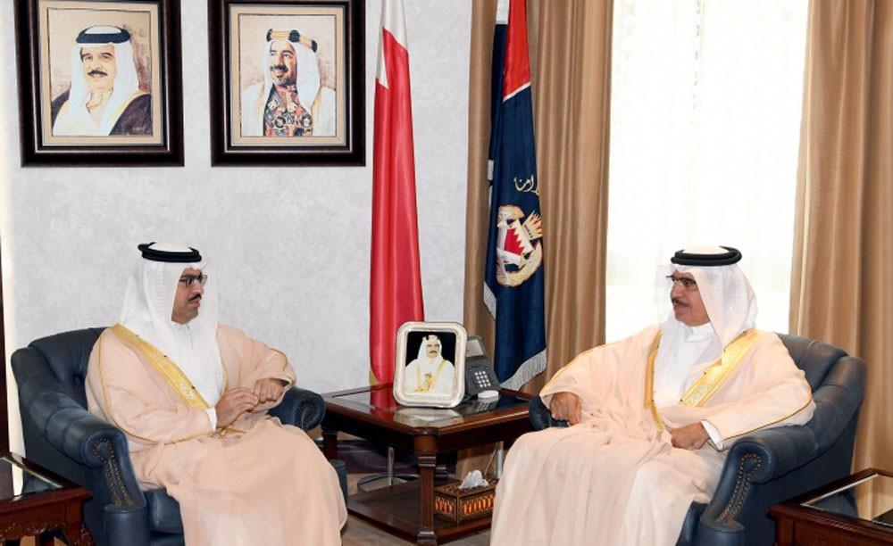 وزير الداخلية يستقبل سفير البحرين لدى الولايات المتحدة