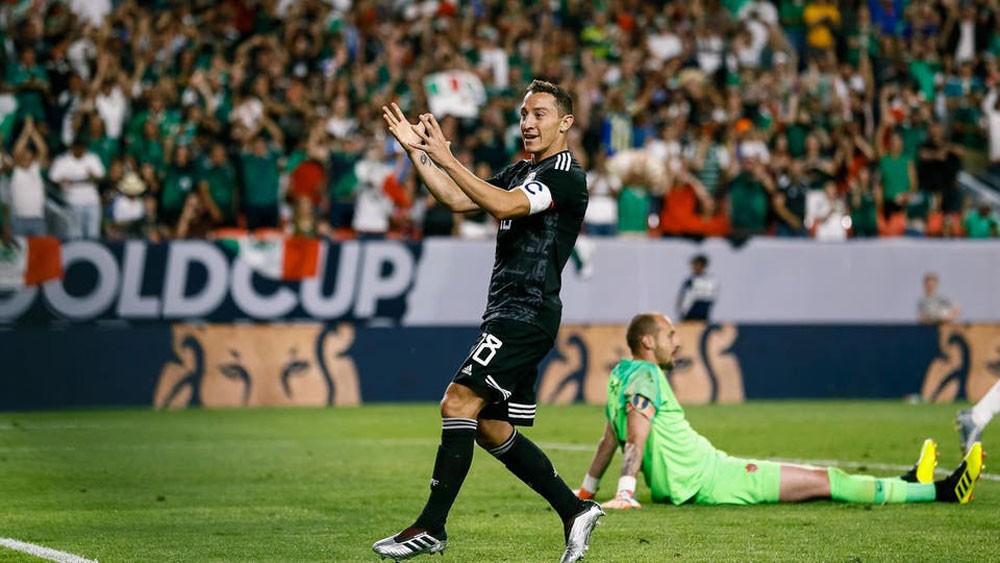 المكسيكي غوادرادو يحقق رقماً تاريخياً مع منتخب بلاده