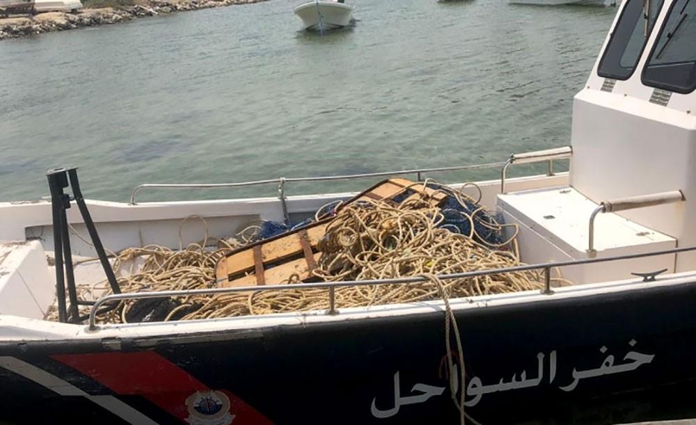 إدارة الرقابة البحرية تضبط معدات مخالفة لقرارات تنظيم الصيد لـ 40 صياداً