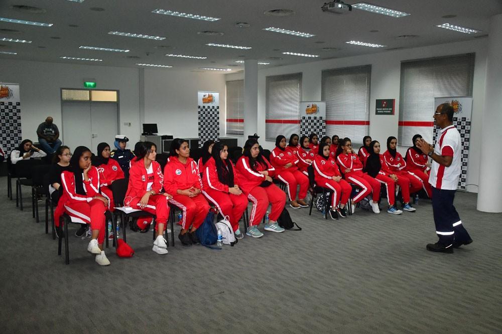 اتحاد السيارات بالتعاون مع حلبة البحرين الدولية يقيم المعسكر الصيفي