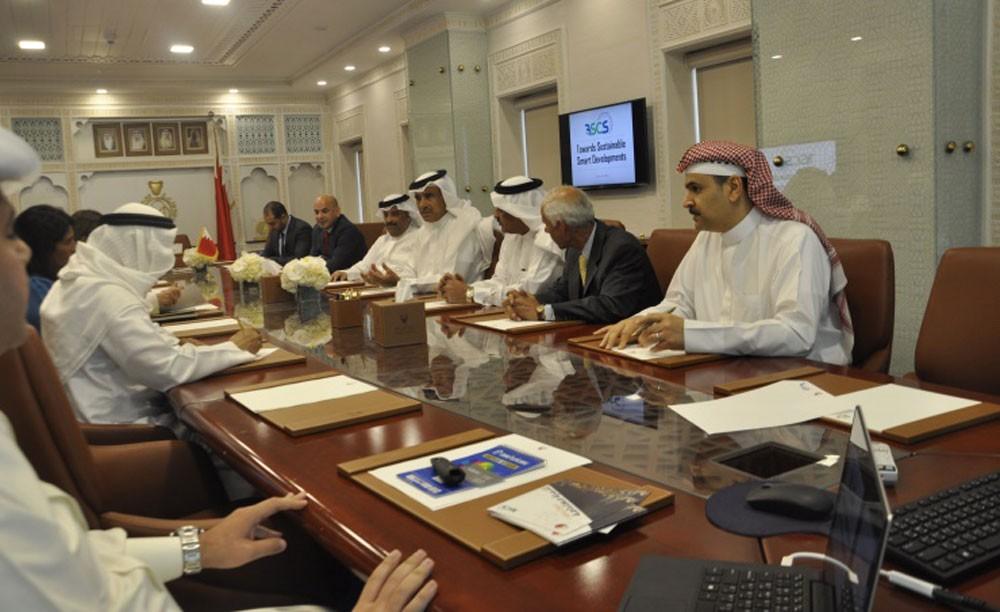 وزير الاسكان يؤكد على أهمية تحديد المعايير المنظمة لـ(المدن الذكية)