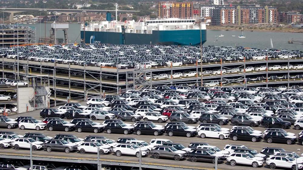 نمو غير متوقع لاقتصاد بريطانيا بدعم من قطاع السيارات