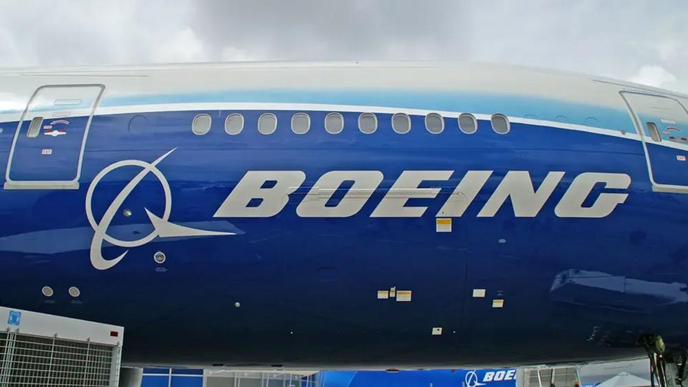 """بسبب """"ماكس 737"""".. بوينغ تخسر عرش صناعة الطائرات"""