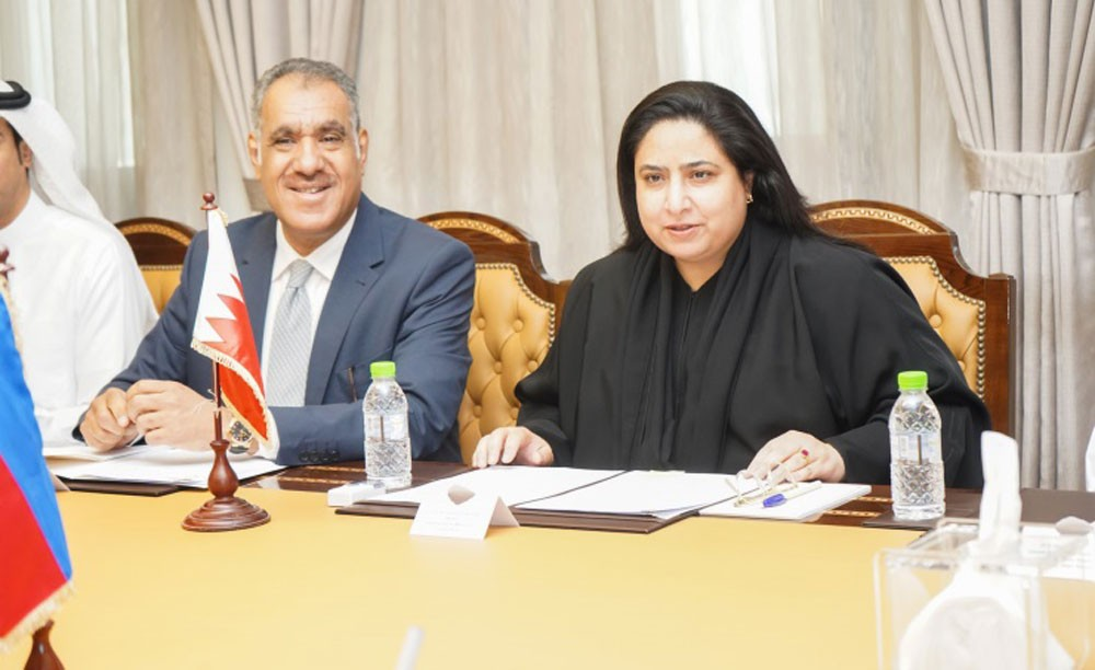 وكيلة الخارجية تجتمع بوكيل وزارة الخارجية بالفلبين