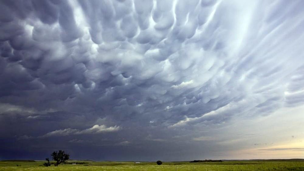 نيو أورلينز مهددة.. عاصفة قد تتحول لإعصار