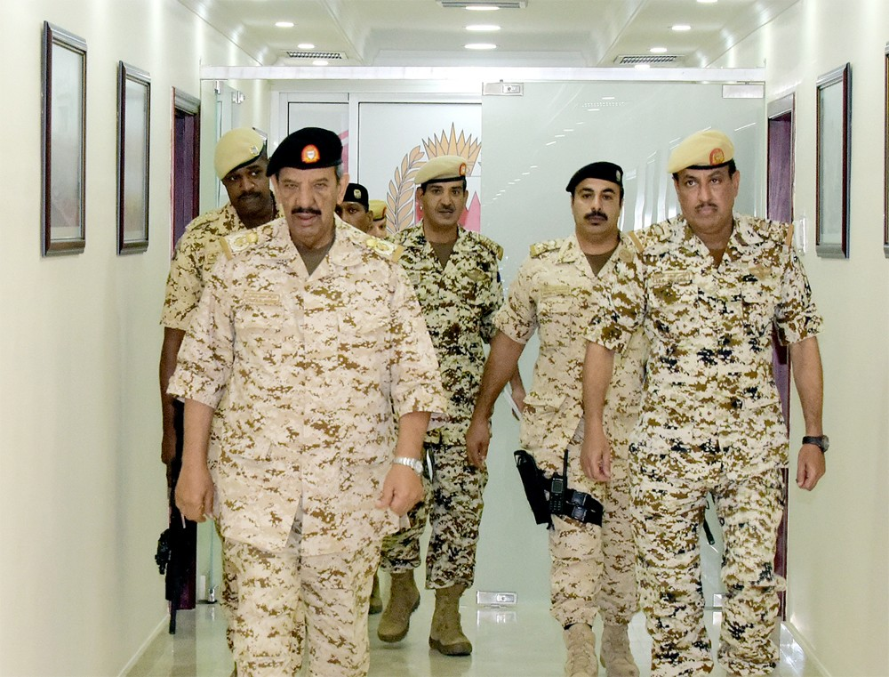 القائد العام لقوة دفاع البحرين يزور عدد من وحدات قوة دفاع البحرين