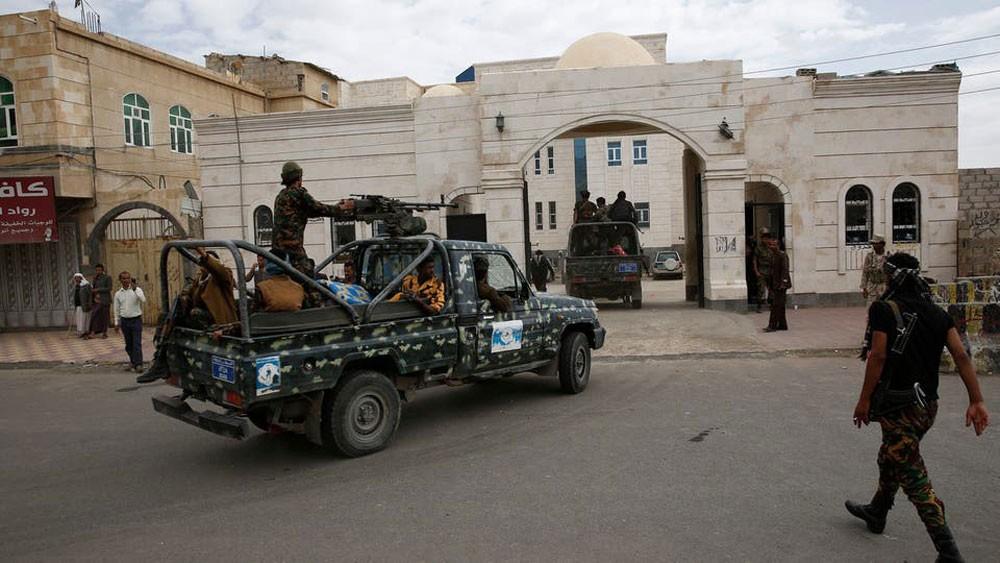أحكام الإعدام الحوثية.. الحكومة تهدد بوقف المفاوضات