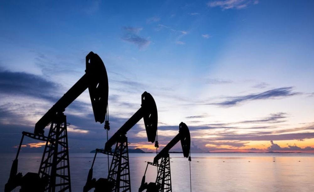 بطء النمو الصيني يدفع أسعار النفط للانخفاض