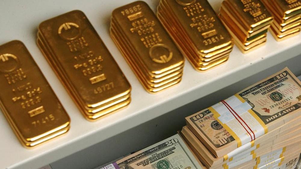 الذهب يهبط مع تجدد الشهية للمخاطرة
