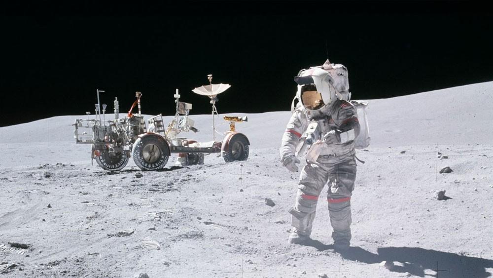 """""""ناسا"""" ترسل روبوت لنشر تلسكوبات على سطح القمر"""