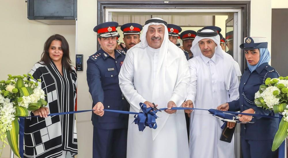 وكيل وزارة الداخلية يفتتح مركزي الخدمات في المجمع الأمني بالمحرق ومقر الإدارة العامة للمرور