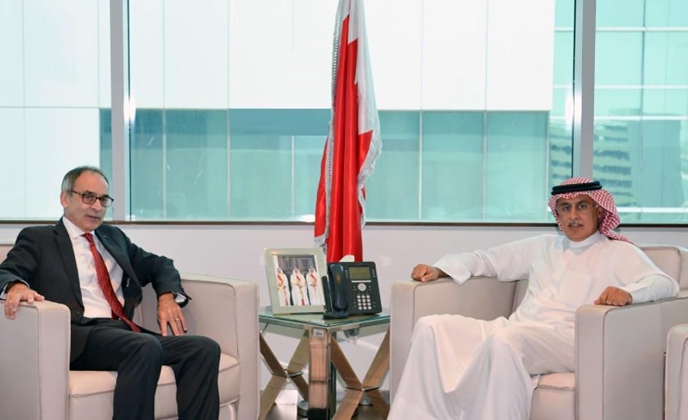 الزياني يستقل السفير البريطاني بمناسبة انتهاء فترة عمله