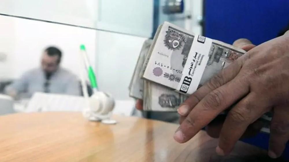 محللون: الجنيه المصري لن يصمد كثيراً مقابل الدولار