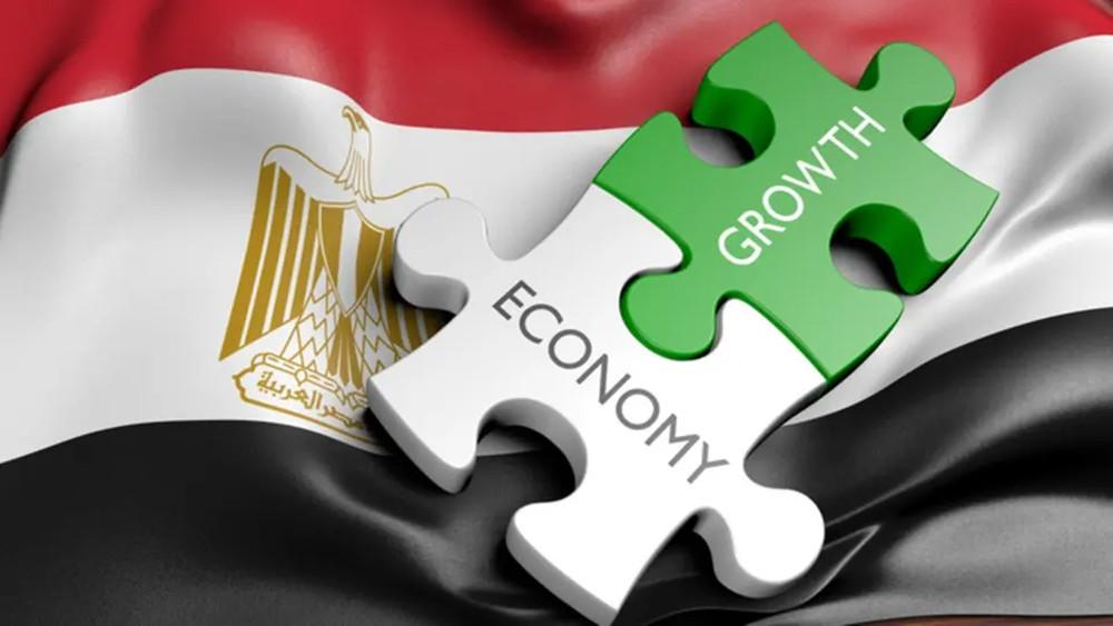 اقتصاد مصر ينمو 5.6% والعجز عند 8.2%