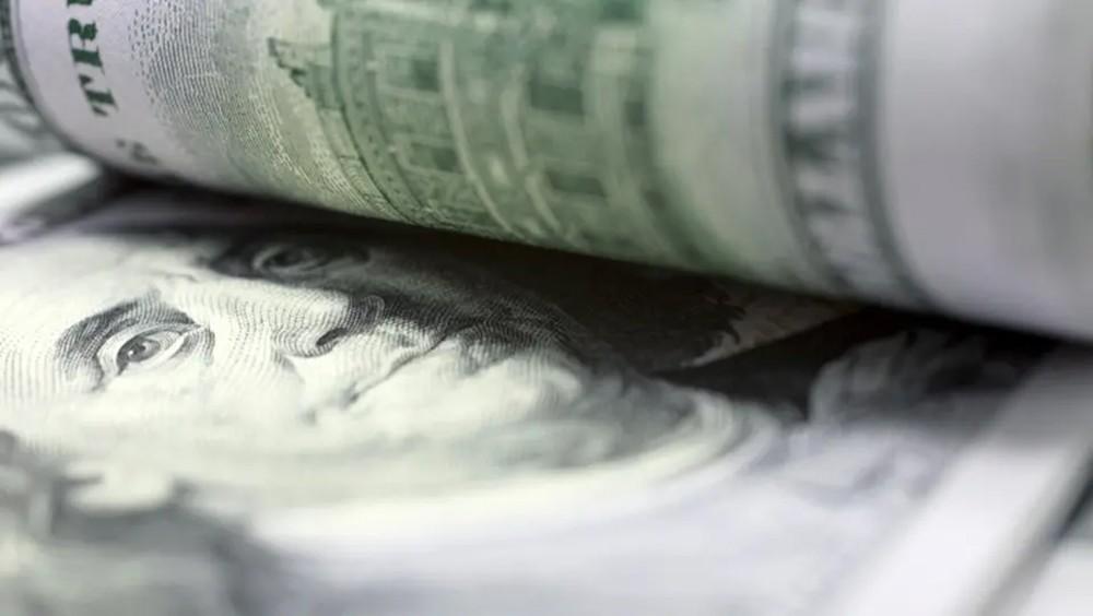 صندوق النقد: الدولار أعلى من قيمته الحقيقية بـ12%