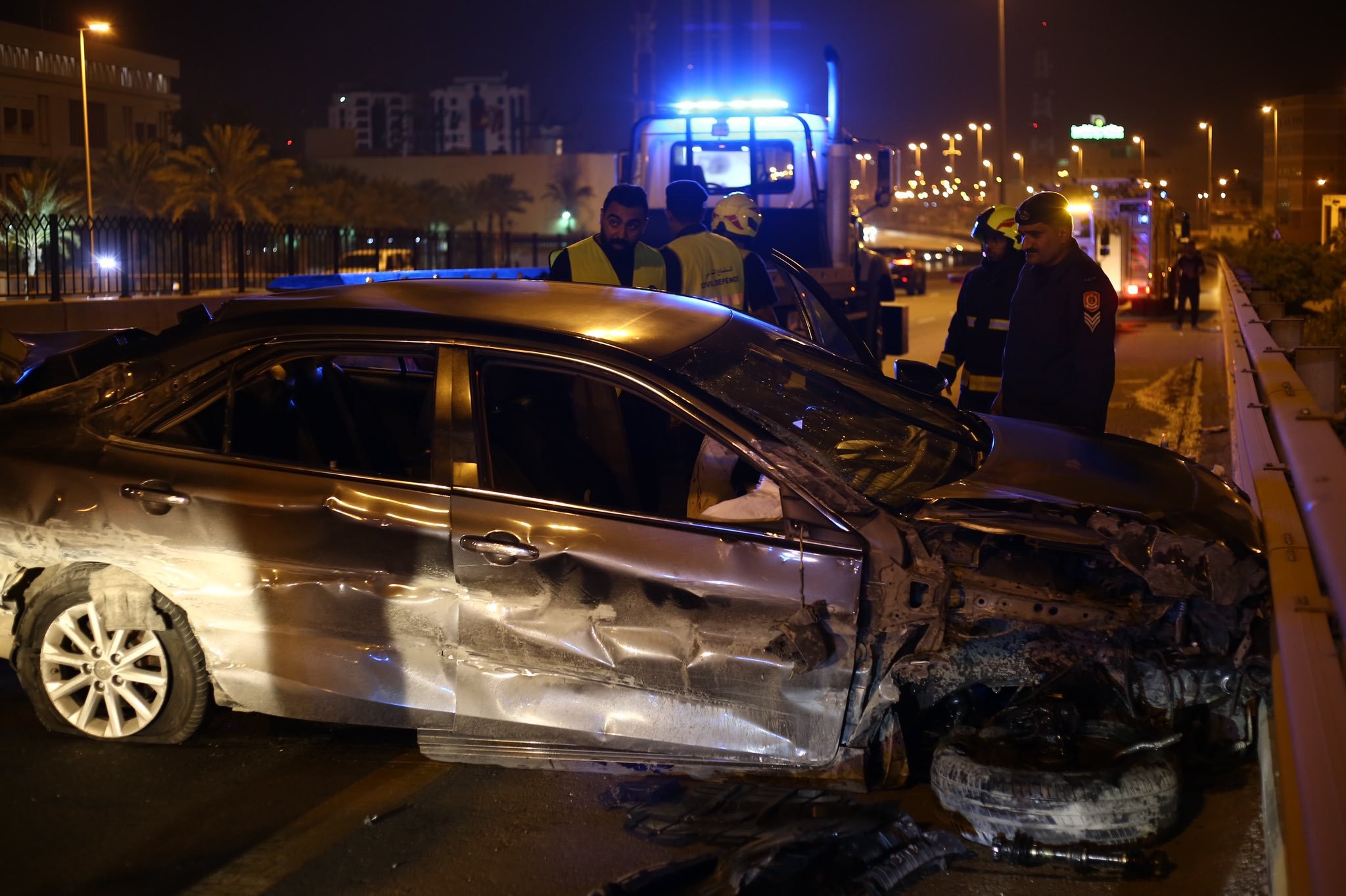 إصابة شخص بعد حادث مروري على شارع الشيخ عيسى بن سلمان