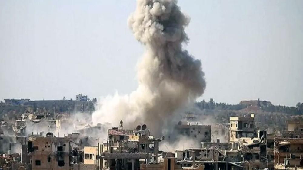 سوريا.. مقتل 19 شخصاً في غارات روسية على سوق خضار