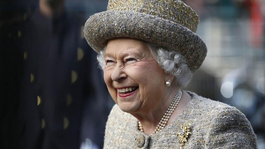 ماذا تأخذ ملكة بريطانيا معها للحالات الطارئة في سفرها؟