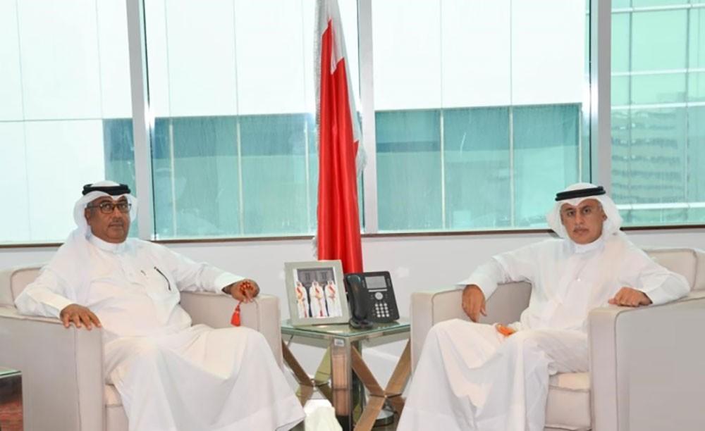 وزير الصناعة يستعرض أوجه التعاون مع السلطتين التشريعية