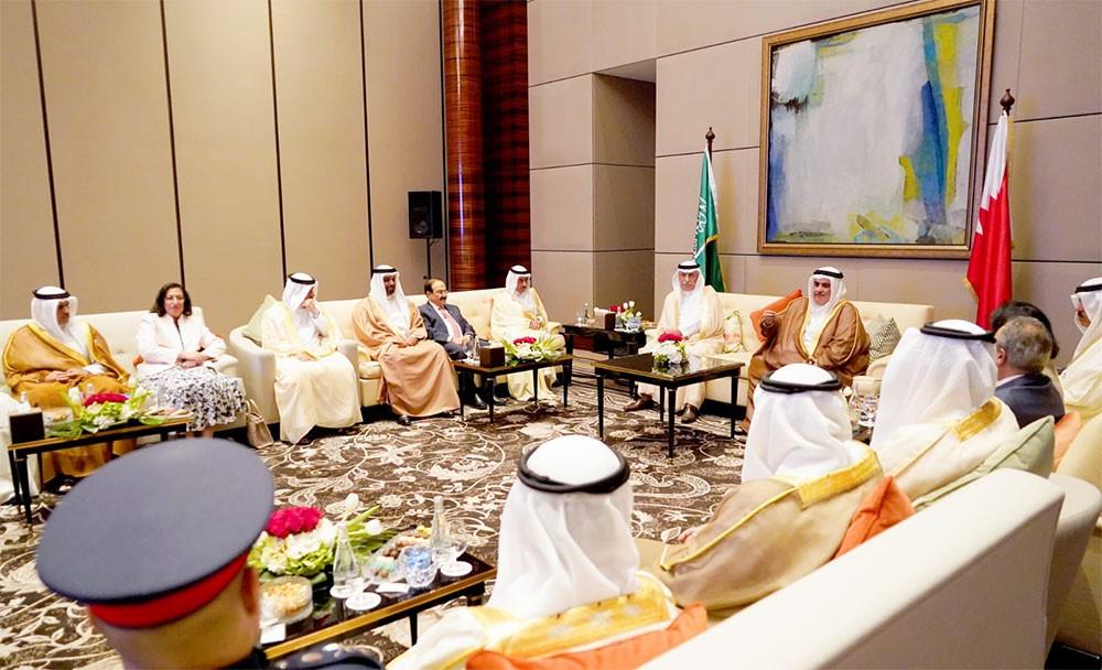 وزير الخارجية ووزير خارجية السعودية يوقعان على محضر إنشاء مجلس التنسيق