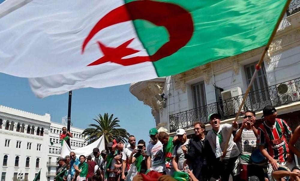 رئيس الأركان الجزائري يؤكد ضرورة إجراء انتخابات رئاسية