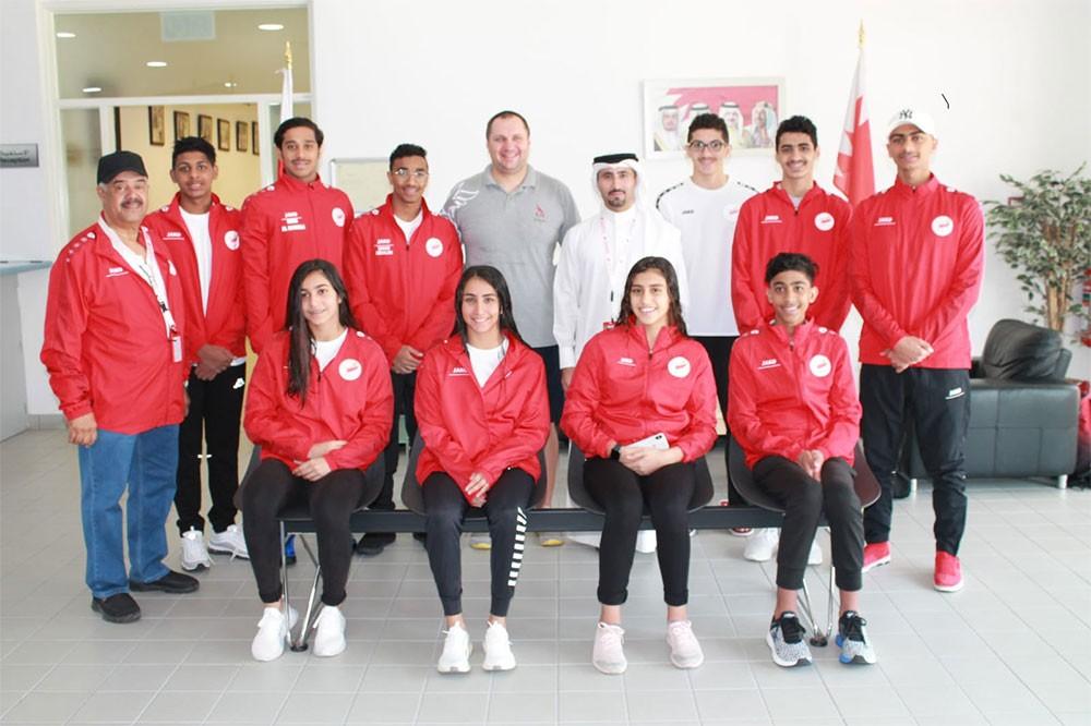 منتخب السباحة يغادر للمشاركة بالبطولة العربية للناشئين