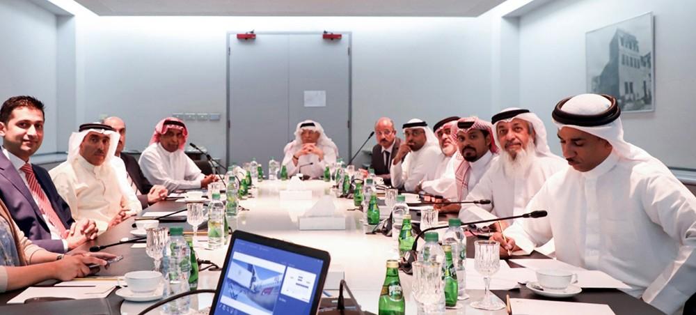 لجنة (البحرنة) النيابية تزور شركة (باس) وتشيد بالاهتمام بالثروة البشرية ونسبة البحرنة