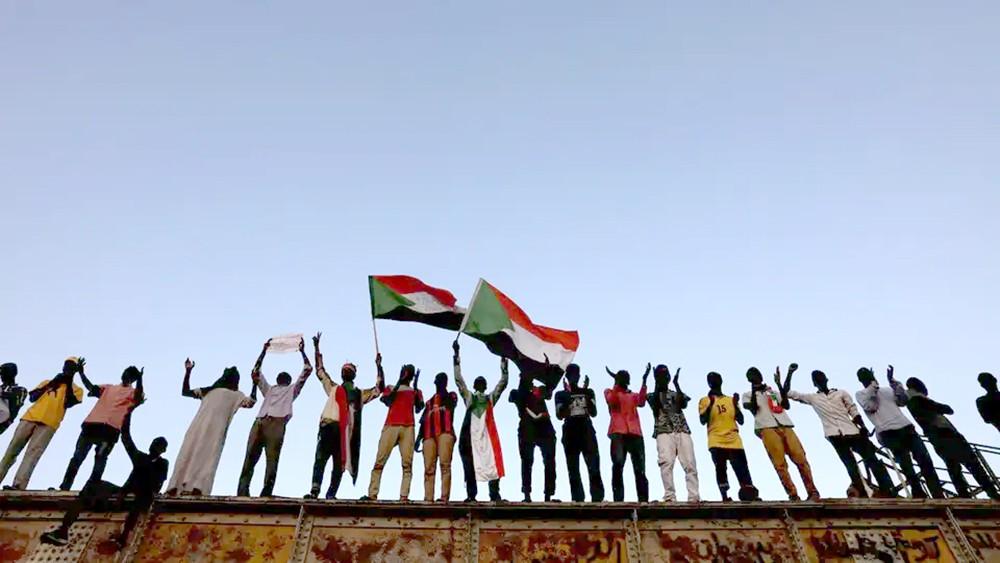 """السودان.. تطابق بالرؤى بين """"قوى التغيير"""" و""""العسكري"""""""