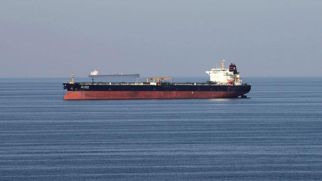 ناقلات النفط تبتكر طرقاً جديدة وتقلص مخاطر عبورها مضيق هرمز