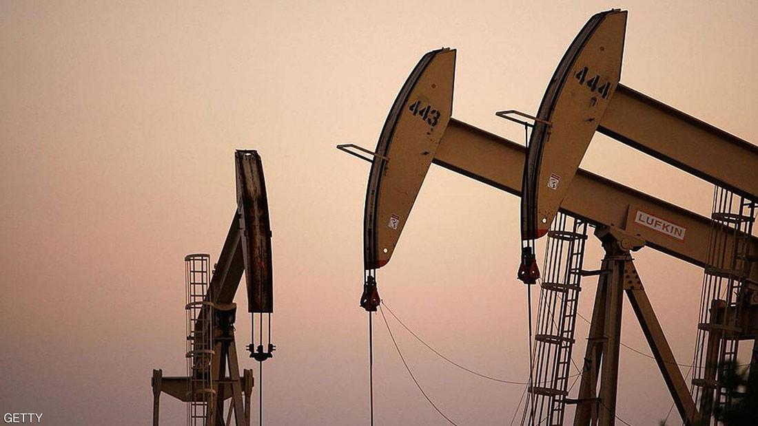 """""""التوترات التجارية"""" تهوي بأسعار النفط لأدنى مستوى في 7 أشهر"""