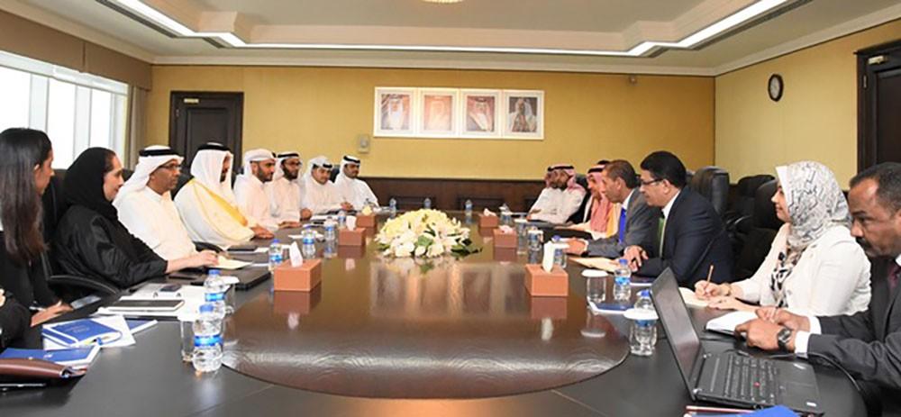 وزير المالية: الأداء المالي للبحرين يسير بخطى واضحة