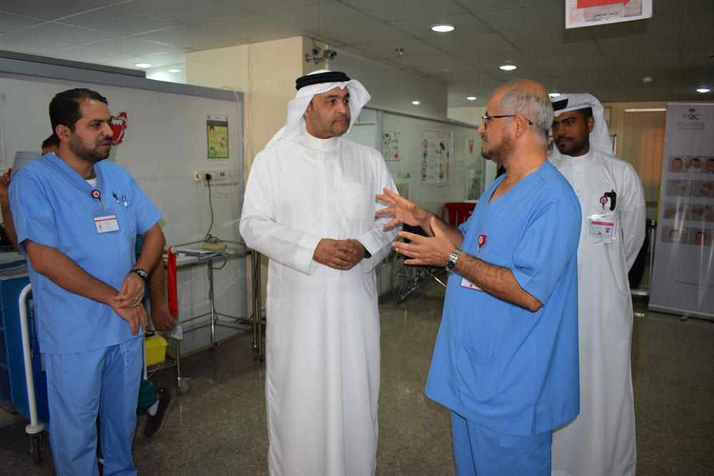 وكيل الصحة يقوم بزيارة تفقدية لعيادة بعثة  البحرين بمكة المكرمة