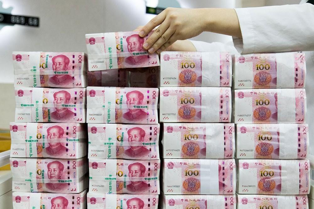 الصين تحدد سعر اليوان أعلى مستوى 7 للجلسة الثالثة على التوالي