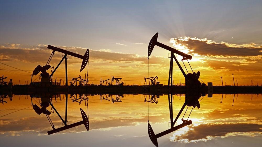 """الطلب العالمي على النفط """"مقبول"""" وسيتعافى في الأشهر المقبلة"""