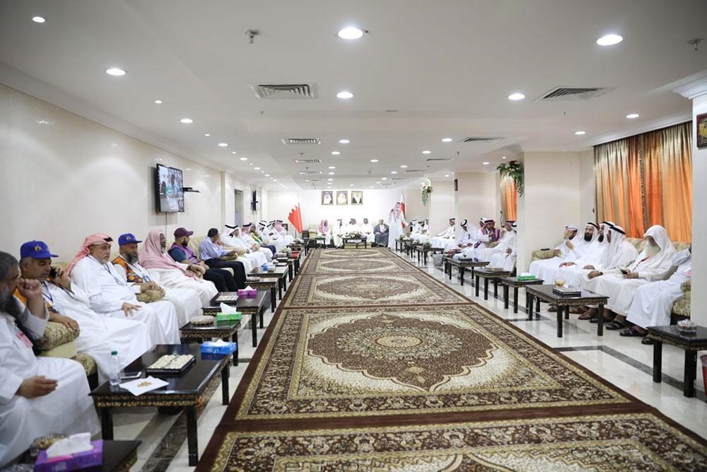 بعثة الحج تستضيف أصحاب الحملات البحرينية لتبادل التهاني والتبريكات
