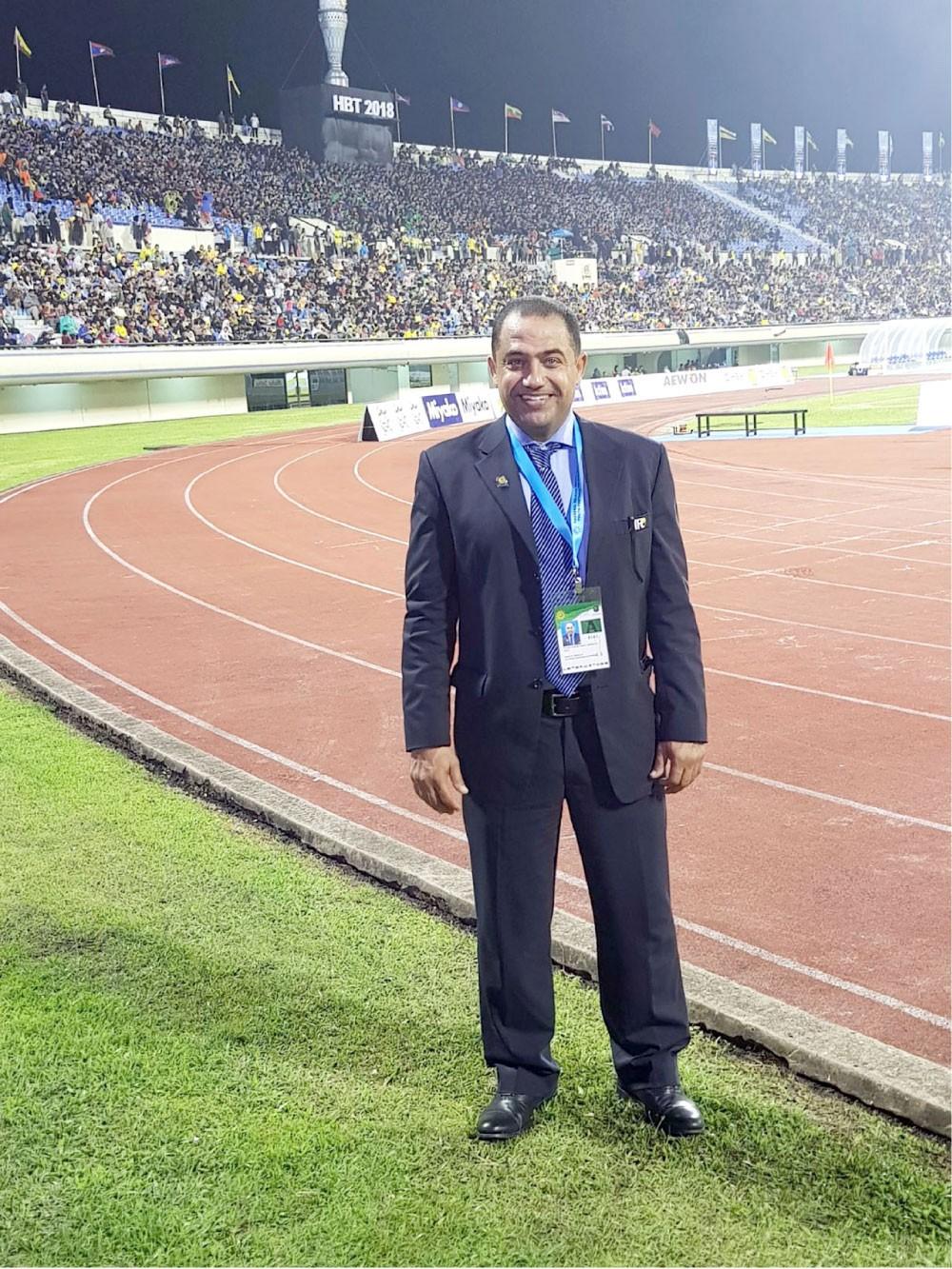العلان مقيّمًا لحكام مباراة المالديف والصين