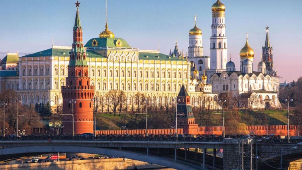 قيود على علماء روسيا.. والكرملين يخشى التجسس